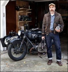 Vintage motorcyclist style, I like it!