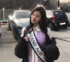 Pretty Korean Girls, Pretty Girls, Sana Minatozaki, Twice Sana, My Little Baby, Girl Bands, Dance The Night Away, Kpop Aesthetic, Tiana