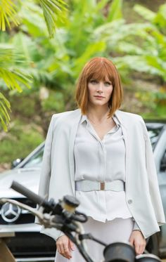 Bryce Dallas Howard - Claire Dearing | Jurassic World 2015