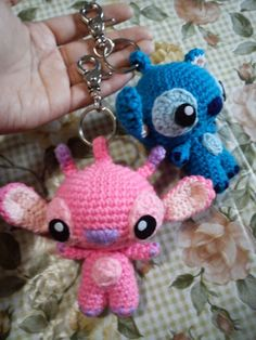 #haken, amigurumi, gratis patroon (Engels), Angel en Stitch, sleutelhanger, tashanger, #haakpatroon, #crochet, free pattern, keychain