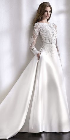 Elegant Tulle & Satin Bateau Neckline A-Line Wedding Dress With Lace Appliques & Beadings & Pockets