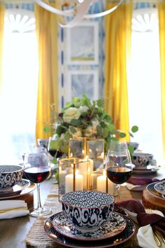 Our (Budget-Friendly) Thanksgiving Table https://hisugarplum.com/thanksgiving-table/ #thanksgiving #thanksgivingtable #fall #diningroom