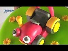 ▶ Tractor Tom fondant cake (Dort s figurkou Traktor Tom) - YouTube