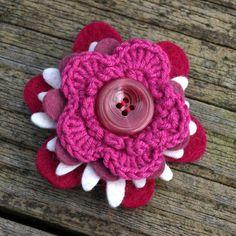 Etsy Transaction - Petite Felt Flower Brooch - Soft Rose - Nimblejacks.