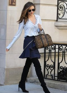 Miranda Kerr Will Chop Off Her Long Hair One Day, Be Prepared!: Photo Miranda Kerr keeps it wild with a leopard print bag while stepping out of her apartment on Wednesday (April in New York City. Estilo Miranda Kerr, Miranda Kerr Street Style, Star Fashion, Womens Fashion, Fashion Trends, Vogue, Dressed To The Nines, Inspiration Mode, Ideias Fashion
