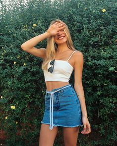 12 looks incríveis com saia jeans in 2019 Skirt Outfits, Casual Outfits, Cute Outfits, Skirt Fashion, Fashion Outfits, Womens Fashion, Fashion Trends, Fashion Clothes, Trendy Clothing
