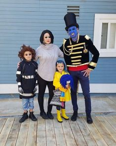 148 Times Families Absolutely Nailed Their Halloween Costumes - Coraline Halloween Costume, Family Themed Halloween Costumes, Addams Family Costumes, Toddler Boy Halloween Costumes, Halloween Costumes For Girls, Cool Costumes, Tim Burton Halloween Costumes, Mother Daughter Halloween Costumes, Costume Ideas