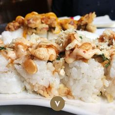 Do you usually go for the fish or gringo sushi? What's your preference? #vincentsushi