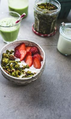 GIVEAWAY + Grain Free Matcha Granola and Iced Coconut Matchaccinos | Top With Cinnamon | Bloglovin'