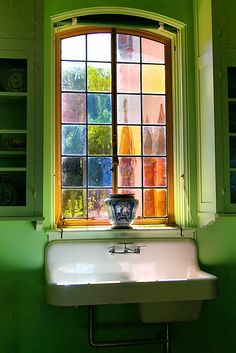 The Best Stained Glass Home Window Design Ideas 23 In addition to the early on start time and deficiency of padded seating, churches have a lot going for them, especially as creativity for your home house windows. Even if [Continue Read] House Window Design, Modern House Design, House Windows, Kitchen Windows, Bathroom Windows, Glass Bathroom, Design Bathroom, Master Bathroom, Dream Apartment