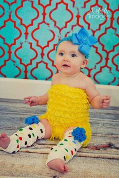 Yellow Lace Ruffle Petti Romper-also, the background is the nursery colors I love!