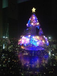 東京シティビューからの東京タワーとレインボーブリッジ