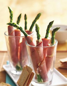 INGREDIENTS: 12 fresh asparagus spears (about 1 lb) 1/4 cup mayonnaise or salad dressing 1 tablespoon Dijon mustard 1 teaspoon chopped fresh thyme leaves 6 slices (1/16 inch thick) cooked ham (from deli; about 10 oz) DIRECTIONS: 1. Fill 13x9-inch I love making my favorite recipes Check out http://makinghay.linktrackr.com/slim