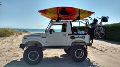 Mini Trucks, Cool Trucks, Cool Cars, Samurai, Ocean Kayak, Jimny Suzuki, Suzuki Cars, Beach Buggy, Jeep Wrangler Jk