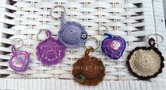 Handmade Bijoux and Accessories - portachiavi realizzati a mano all'uncinetto