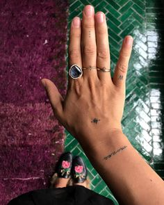 77 Small Tattoo Ideas For Women Smal hand tattoos Smiley Piercing, Piercings, Piercing Cartilage, Piercing Tattoo, Dna Tattoo, Tatoo Henna, Samoan Tattoo, Polynesian Tattoos, Ankle Tattoo