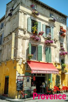 The magic of the south of Provence - and how to see the most in 10 days.