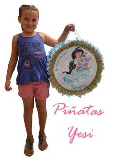 Piñata artesanal hecha a mano de la Princesa Jazmine