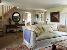 Antique dealer Ken Bolan and television producer Caryn Mandabach have seamlessly combined their individual styles in their Wiltshire farmhouse Bedroom Furniture Sets, Home Furniture, Bedroom Sets, Furniture Design, Best Interior, Interior Design, Interior Ideas, Design Design, Antique House