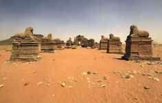 The Forgotten Pyramids of Meroe – Fubiz™
