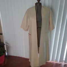 Neiman Marcus Women's Coat 100% CASHMERE Full  Long Jacket Short Sleves Lined  #NeimanMarcus #BasicCoat