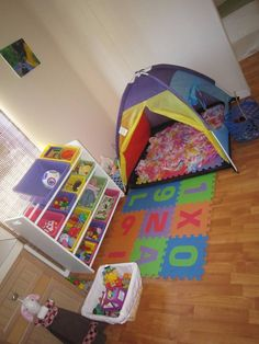 Great article on organizing a play room. Easily adapted ideas for therapy room