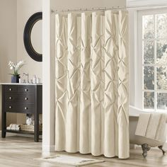Very chic curtain!