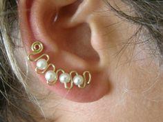 Ear  Sweep Wrap - Cuff  Earring  with Creamy Glas Pearl