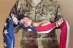 Military, Army, Flag Newborn pose, camo baby | © taviaredburnphotography.com