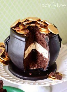 Saint Patrick's Day Cake!  http://ashleemarie.com/st-patricks-day-cheescake-filled-pot-gold-cake-crochet-baby-top-hat/