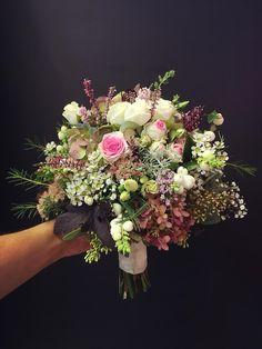 Brautstrauß Vintage Floral Wreath, Wreaths, Vintage, Home Decor, Homemade Home Decor, Door Wreaths, Deco Mesh Wreaths, Garlands, Floral Arrangements