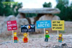 I SIMPSON ATTIVISTI PROTESTANO AL DOLMEN DI BISCEGLIE  Chiedi a @LEGO_Group di chiudere con Shell #BlockShell  Per aderire: grnpc.org/Ig0RQ  (Greenpeace Gruppo Locale San Ferdinando di Puglia)