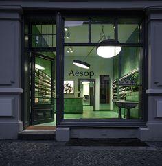 Aesop-store-by-Weiss-heiten_dezeen_2