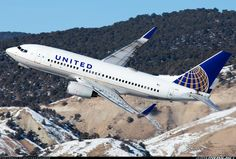 United Airlines N39726 Boeing 737-724 aircraft picture