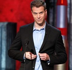 Anthony Jeselnik, so funny and super sexy, i wana go see him stand up comedy again ♥ Episodes Tv Series, Anthony Jeselnik, Mark Bennett, Guy Code, Feminist Theory, Charlie Sheen, I Want To Cry, Hey Good Lookin
