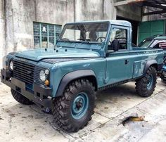 A popular picture last time we posted it. It does look fine though. Land Rover Defender 110, Landrover Defender, Engin, Expedition Vehicle, Land Rover Discovery, Jeep 4x4, 4x4 Trucks, Vintage Trucks, Off Road