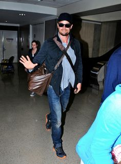 Josh Duhamel hast the perfect outfit for a long trip.... #Longchamp