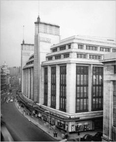 The original Market court site - Barkers department store on Kensington High Street in 1959 - now the location of the UK's first Whole Foods Market. Vintage London, Old London, West London, London History, Local History, Kensington And Chelsea, Kensington London, Maine, London Architecture