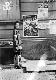 Women of Warsaw Uprising Poland Ww2, Warsaw Uprising, Poland History, World Conflicts, Ww2 Photos, Historical Images, Women In History, Military History, Retro