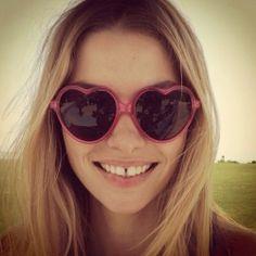 Heart Shaped Sunglasses-Heart shape cool sunglasses vivid color for your choice matching sunglasses Beach Shaped -- Visit FUNMEMO. Sunglasses 2014, Beach Sunglasses, Ray Ban Sunglasses Sale, Heart Shaped Sunglasses, Cool Sunglasses, Sunnies, Heart Glasses, Jessica Hart, Gap Teeth
