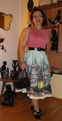 365 Vintage Days - Fintage. I own this skirt.