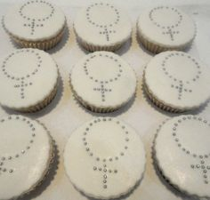 Cupcake Batizado - Terço - Conqualita Cestas -  Para fazer pedidos ou mais informações por e-mail conqualita@conqualita.com.br ou fone (51) 3356.1422
