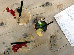 Cocktail trinken Auenhütte Wiener Schnitzel, Restaurant, Cocktails, Mountain, Painting, Kaiserschmarrn, Water, Drinking, Craft Cocktails