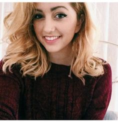 """{Fc Lycia Faith} """"Hey! I'm Summer. I'm 18 and single."""" I smile """"I love dancing and singing. I have a little girl named Charlotte who's 1. Intro?"""""""