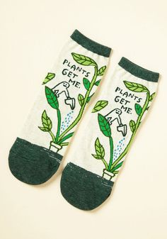 We Can Work It Sprout Socks - Something on your mind? These ivory ankle socks suggest you take to plant therapy to work through it. With dark green trim and a lil' dude watering his leafy confidante, this pair soothes you while it styles you! Baby's First Haircut, Tennis Socks, Quirky Fashion, Fashion 101, Lolita Fashion, Emo Fashion, Green Socks, Free People Clothing, Plant Therapy