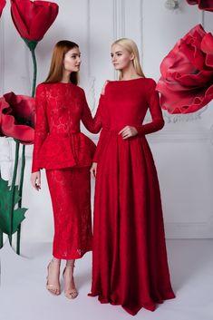 Платье «Эльза» красное — 23 990 рублей, Платье «Линда» красное — 29 990 рублей