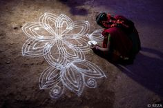 Eternal and ephemeral art Krishnagiri district, Tamil Nadu, India, January Coffee In Paris, Ephemeral Art, Simple Pictures, Kew Gardens, Land Art, Installation Art, Namaste, January 10, India