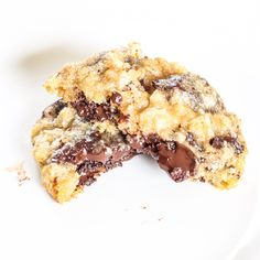 Oatmeal Chocolate Chip Cookies - This cookie recipe is the best! These cookies are packed with chocolate and are so soft, chewy and delicious.