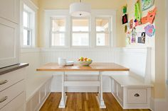 Yes i do want built in breakfast nook if i ever revamp the kitchen