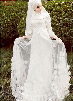 Arab Muslim bride white wedding dress handmade beaded wedding fashion Israel long sleeve muslim wedding dress